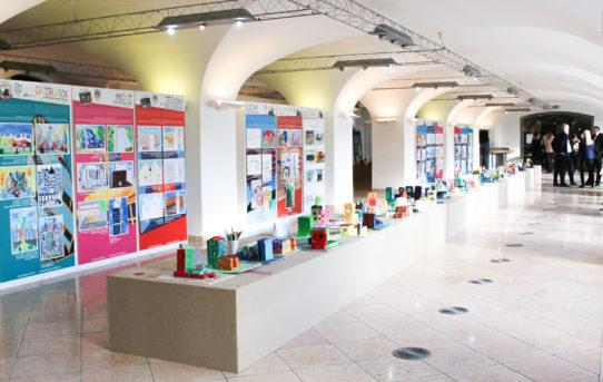 Příprava výstavy 100 let hravé architektury na Bratislavském hradě