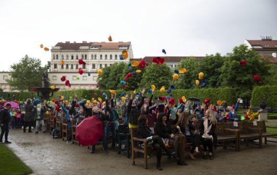 (Čeština) Návštěva žáků 4.A ZŠ Ústecká vSenátu PČR